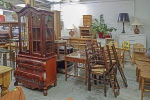 kringloopwinkel meubels
