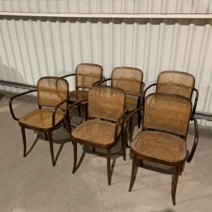 6 Thonet Ligna Stoelen Gaas vertoont wat gaten op enkele stoelen zie foto's Thonet B 9 / 209 Chair by Ligna